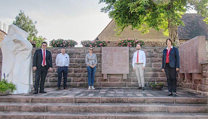 Restaurierung des Ehrenmals in Schielberg